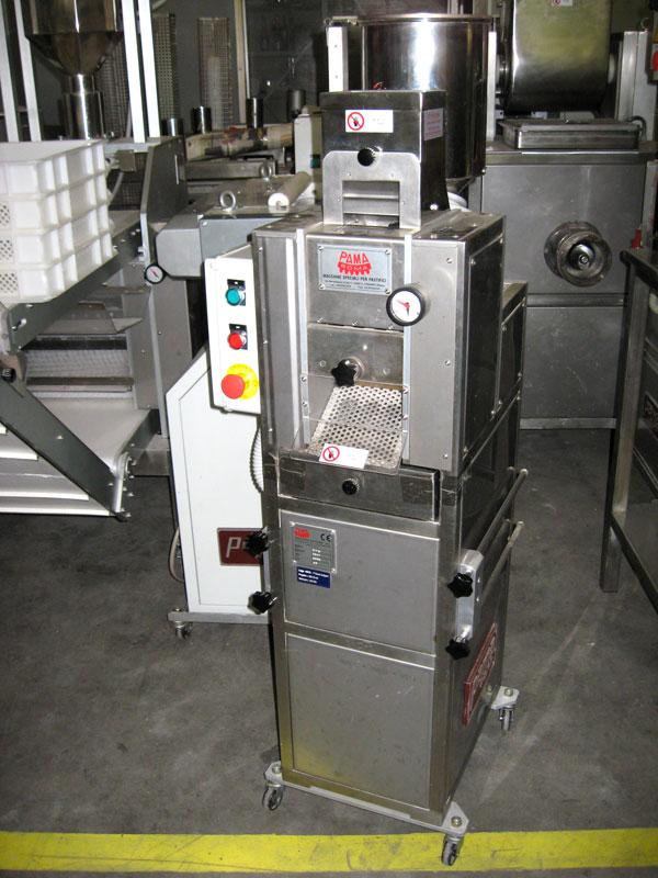 gnocchi pasta machine
