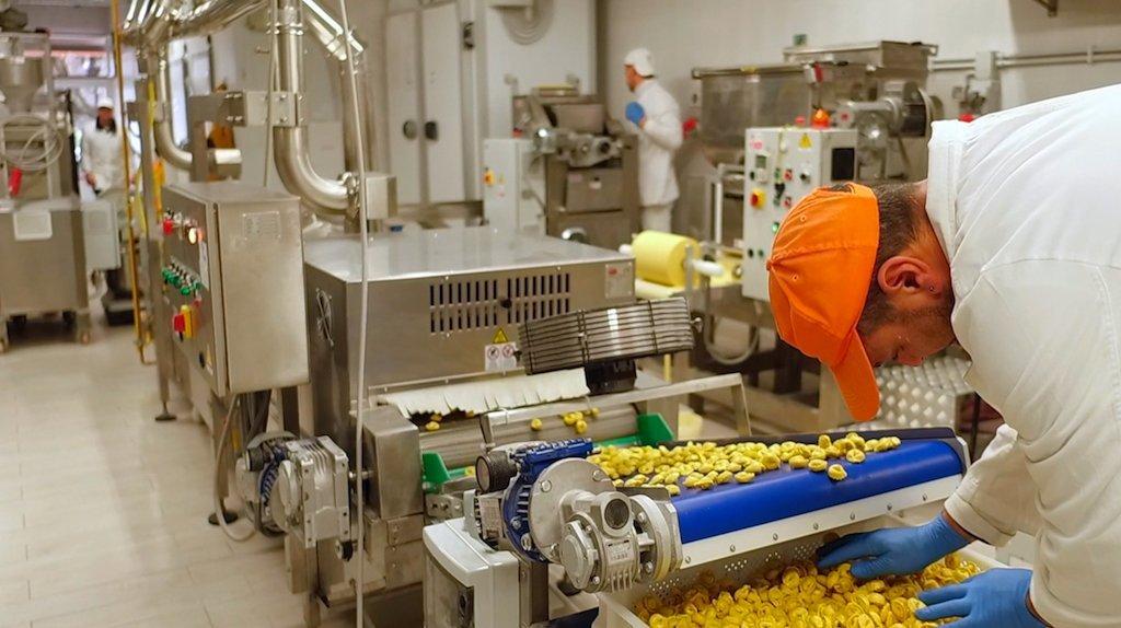 Industrial gluten free pasta machine